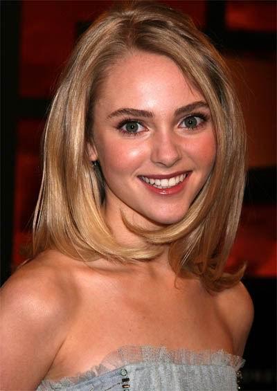 Anna Sophia Robb Shoulder Length Hairstyles